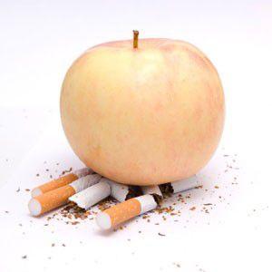 dejar de fumar sin engordar-manzana pisa cigarros