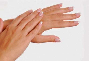 como-cuidar-las-manos-agrietadas-suaves