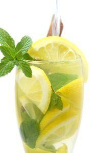 remedio casero para eliminar grasas con agua- vaso preparado