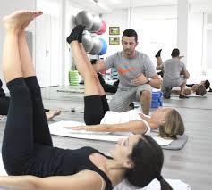 Mantenerse joven con el método pilates-profesor pilates