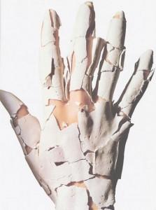 como-cuidar-las-manos-agrietadas-secas