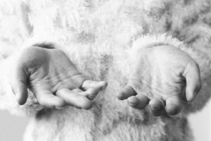 manos frágiles, cuidados extras