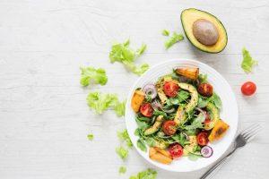 Qué beneficios tiene la dieta vegana